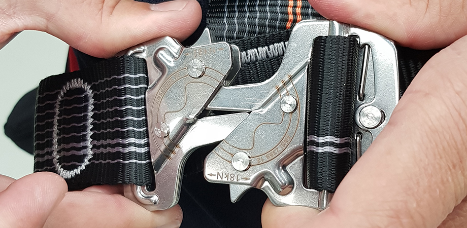 Connecting harness attachment points.